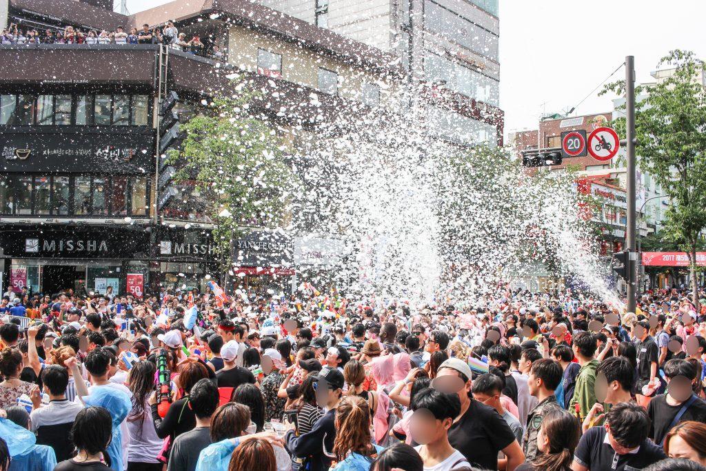 Sinchon water gun bubble party